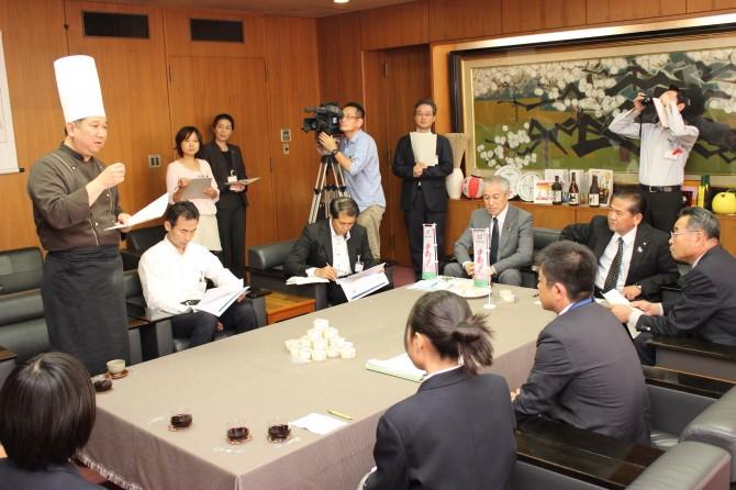 八代市長さん、氷川町長さんにもちベーション完成のご報告