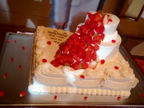 はぴはぴウエディングケーキ